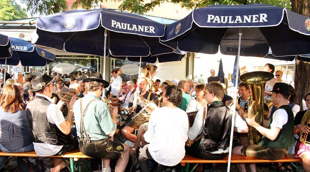 Münchens kleinste Gaststätte auf dem Viktualienmarkt